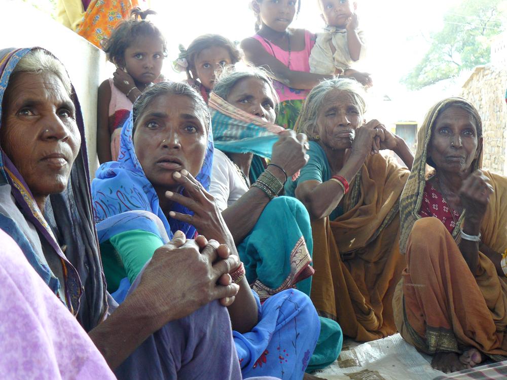 """Women's Village Organization, Muzzafarpur, Bihar"" - copyright V. Rao."